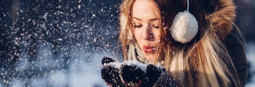 adult-beautiful-christmas-cold-293029